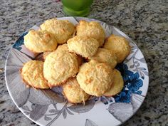 Delicias low carb: Pao de Queijo Sem Carboidrato!! yummmm                                                                                                                                                                                 Mais Low Carb Paleo, Slow Carb Diet, Paleo Recipes, Low Carb Recipes, Real Food Recipes, Bolos Low Carb, Slow Cooker, Sweet And Salty, I Love Food