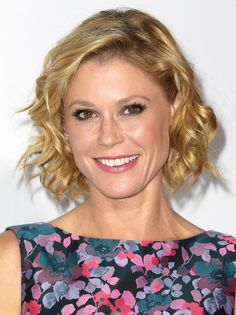 Julie Bowen Short Curly Hairstyle - 2015 Hairstyles for Women Over 40 - 50