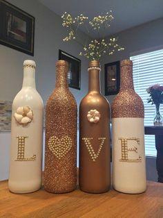 70 fantastických nápadov, ako spraviť z prázdnej fľaše krásnu dekoráciu - sikovnik.sk Custom Wine Bottles, Wedding Wine Bottles, Empty Wine Bottles, Wine Bottle Art, Diy Bottle, Decorative Wine Bottles, Bottle Labels, Vodka Bottle, Cut Bottles