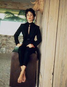 Liz Taylor (love the suit)