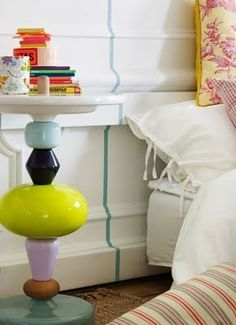 what a great side table!