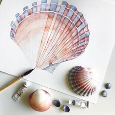 3,297 vind-ik-leuks, 30 reacties - Louise De Masi (@louisedemasi) op Instagram: 'She's painting seashells by the seashore. I started working on my first seashell study on the…'