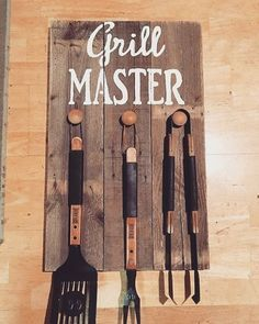 Hands up if you like barbecue ! #barbecue #grill #woodideas #wood #garden #cottage #decoration #gift #giftideas #palletwood #reclaimedwood #hobby