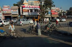 India-street-scene India Street, Documentary Photography, Cheap Web Hosting, Image Photography, Image Now, Documentaries, Times Square, Around The Worlds, Street View