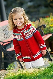 Ravelry: Rød jakke med rundt bærestykke pattern by Gerd Auestad Fair Isle Knitting Patterns, Knit Patterns, Norwegian Style, Knitting For Kids, Cute Baby Clothes, Knitted Hats, Free Pattern, Knit Crochet, Children