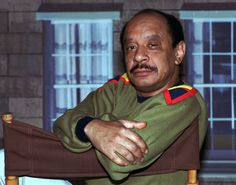 """Remembering 2012's Lost Celebs/Entertainers:  Sherman Hemsley  In this Aug. 11, 1986 file photo, actor Sherman Hemsley poses for a photo in Los Angeles. The manager for Hemsley says the late star of the television sitcom """"""""The Jeffersons"""""""" refused treatment for lung cancer in the weeks before he died of what a coroner says were complications from the disease on July 24, 2012. (AP photo/Nick Ut, File)"""