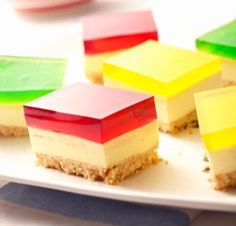 You are going to love this Jelly Cheesecake Recipe No Bake family favorite and it is easy and delicious. This is a very special treat that you will love. Jelly Cheesecake, Cheesecake Recipes, Jelly Cake, Raspberry Cheesecake, Cheesecake Bites, Jelly Recipes, Sweet Recipes, Yummy Recipes, Sugar Cookie Recipie