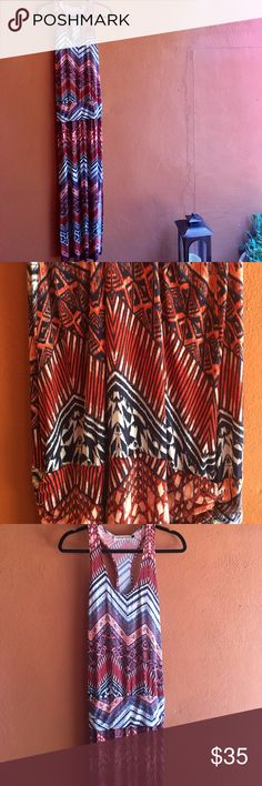 Beautiful Veronica M Drop Waist Maxi Dress, Size S Gorgeous printed design on this Veronica M piece. Tons of compliments on it too. The red is more of a coral peachy red. Size small, but could easily work for a small or medium. Stretchy fit and very flattering. So pretty!🌸 Veronica M Dresses Maxi