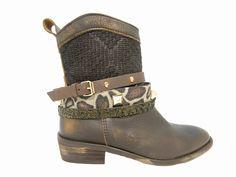 Boots in www.dickandpaul.com