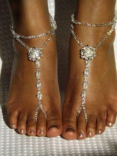 Sandalias pies descalzos nupcial diamantes de por SubtleExpressions