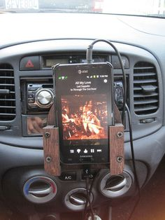 Custom car mount for your smartphone
