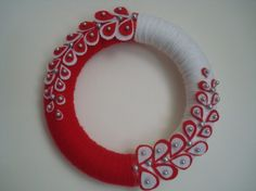 Items similar to Handmade Holiday Yarn Wreath in wreath on Etsy Felt Flower Wreaths, Felt Wreath, Wreath Crafts, Diy Wreath, Holiday Wreaths, Felt Flowers, Felt Crafts, Diy And Crafts, Yarn Wreaths