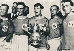 Cardiff City players with 1927 FA Cup