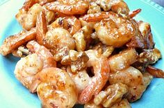 Honey Walnut Shrimp.... One of my FAVORITE dishes when I visit Chinese restaurants in Sacramento is Walnut Shrimp... this recipe sounds pretty good.