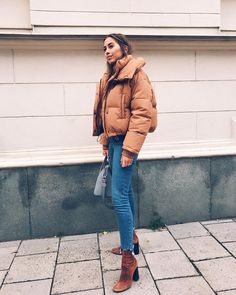 Winter Street Style Outfits To Keep You Stylish and Warm Brown puffer jacket + jeans + brown ankle boots Outfits For Teens, Trendy Outfits, Cute Outfits, Fashion Outfits, Womens Fashion, Fashion Trends, Look Fashion, Autumn Fashion, Fashion Mode