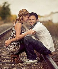 This would make for such a stunning engagement photo....or after wedding ceremony photo :)