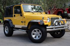 Two Door Jeep Wrangler, Yellow Jeep Wrangler, 2009 Jeep Wrangler, Jeep Jeep, Cheap Jeeps, Luxury Car Dealership, Vroom Vroom, Motors, Dream Cars