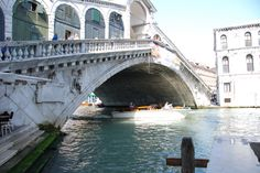 San Marco Piazza Rialto Bridge - Venice (286) Cross under or over, wonderful experience.
