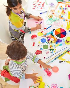How to Throw the Perfect Paint Party - Follow these strokes of genius to get kids celebrating.  #birthdayparty #birthdayideas #partyideas #kidsbirthdays #birthdayinspo #birthdayinspiration #partyinspo