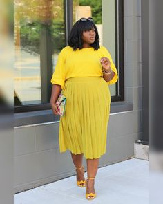Green with Envy! Is envy the byproduct of the social media age? I've been reflecting as of late about my discontent and realized to my… Big Size Dress, Plus Size Dresses, Plus Size Outfits, Curvy Outfits, Fashion Outfits, Womens Fashion, Fashion Top, Fashion 2017, Plus Size Fashion For Women