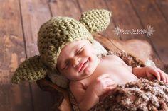 Smiling Newborn Yoda baby boy. Love the Star Wars theme! #newborn #newbornphotography #newbornboy #yoda #babyyoda #starwars #starwarsbaby #starwarsyodababy #rustic #organic #happy #smile #babyboy #boy #babyphotos #babyphotography #bloomsobrightphotography #bloomsobrightbabies #miaminewbornphotographer