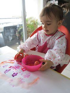 [Activité] Peinture avec des tampons en pomme de terreL'activité du jour est: La PEINTURE avec des TAMPONS EN POMME DE TERREÂge: 15 mois 1/2