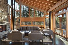 Mazama House by FINNE Architects. I would definitely change out the furniture for something more comfortable but WOW love the room!