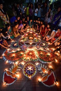 Diwali, the Hindu festival of lights – in pictures Indian girls light earthen lamps Hindu Festival Of Lights, Hindu Festivals, Indian Festivals, Diwali Pictures, Diwali Images, Diwali Party, Diwali Celebration, India Linda, Bollywood Stars