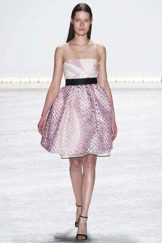 Gown: 4.5 || Monique Lhuillier