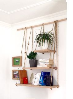 Etagères suspendues en bois et corde #mydiy #homemade Decoration, Ladder Decor, Living Room Decor, Clever, Shelves, Homemade, Nature, Projects, Crafts