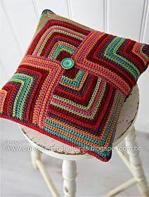 Crochet Pillow Patterns Part 3 - Beautiful Crochet Patterns and Knitting Patterns Beau Crochet, Simply Crochet, Crochet Home, Love Crochet, Beautiful Crochet, Crochet Crafts, Crochet Projects, Crochet Cushion Cover, Crochet Pillow Pattern