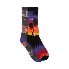 If you enjoy sandy beaches, palm trees, and vibrant sunsets, then you'll love the new Sunset socks from Vans! The Sunset socks provide breathable comfort with a variety of brilliant colors and graphics. 2 Pack. Only available at Journeys!