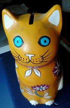 No damage. x Happy cat . Painted Paper, Hand Painted, Cat Piggy Bank, Rare Flowers, Money Box, Paper Mache, Flower Power, 1970s, Japan