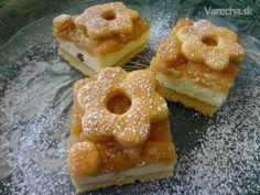 Tvarohovo-jablkový koláč (fotorecept) - Recept Russian Recipes, Daily Meals, Doughnut, Sweet Recipes, Recipies, Food And Drink, Cooking Recipes, Yummy Food, Apple