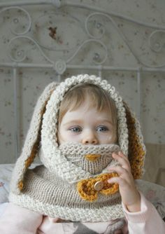 *** This listing is only a PDF PATTERN in ENGLISH and not a finished product ***  This is a knitting pattern for rabbit hood Windsor with a cowl