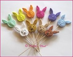 Natas Nest: Easter Bunny (Plant) Stakes - Free Crochet Pattern / Easter Bunny Blumenstecker - Free Crochet Pattern