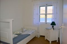 Leuchtturm für 8 Personen in Korčula | TUIvillas.com Objekt-Nr. 1247460 M Restaurant, Jacuzzi, Toddler Bed, Furniture, Home Decor, Lighthouse, Keep Running, Light Fixtures, Bedroom
