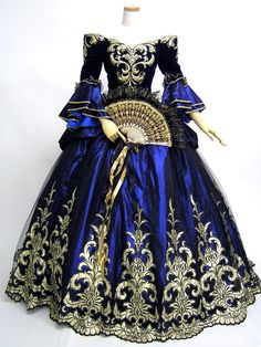18thC inspired ballgown. I could see this becoming a TARDIS-esque gown...