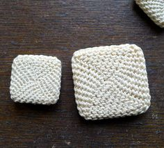 Etsy の Antique Square Shape Crochet Buttons by marybethhale