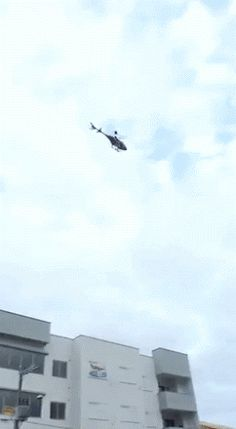 Helicopter Falls Rapidly Out of the Sky In Urban Area   http://ift.tt/2daRZnA via /r/funny http://ift.tt/2cXp59C  funny pictures
