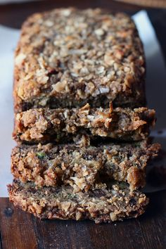 Chocolate Coconut Zucchini Bread with Coconut-Crumble Topping Just Desserts, Delicious Desserts, Dessert Recipes, Yummy Food, Coconut Zucchini Bread, Bread Recipes, Cooking Recipes, Paleo Recipes, Tapas