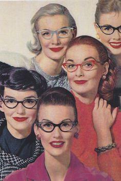Vintage style retro cats eye glasses from London Retro with prescription lenses Vintage Mode, Look Vintage, Vintage Glam, Vintage Beauty, Vintage Photos, Vintage Frames, Vintage Ladies, Pin Up, 1950s Fashion