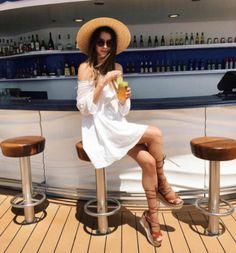 Brittany Xavier y su blog Thrifts and Threads https://shar.es/1l7aII #Fashion #Moda