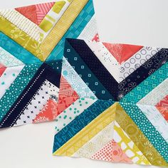 Some Treasure Hunt blocks for our July queen Alyce (@blossomheartquilts), in a delicious combination of teal, navy, mustard and coral. I'm…