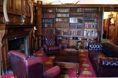 The_library_at_the_Stanhill_Court_Gatwick.jpg (620×415)