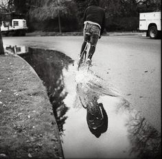 Reflejo en el agua, buena foto… #espejo #agua #bicicleta #bike