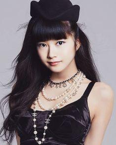 yui / fake but awesome Sakura Gakuin, Metal Bands, Japanese Girl, Beautiful Women, Kawaii, Sexy, Instagram Posts, Goth, Nice