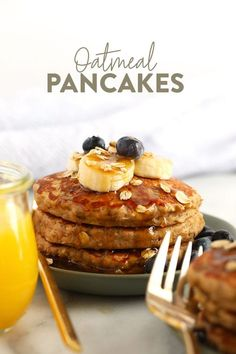 These banana oatmeal pancakes are the perfect weekend breakfast. They're dairy-free, gluten-free, and naturally sweetened with a mashed banana for a deliciously healthy, easy breakfast that you can make any time you're craving a stack! Almond Milk Pancakes, Banana Oatmeal Pancakes, Gluten Free Pancakes, Pancakes And Waffles, Pancake Muffins, Blueberry Pancakes, Fluffy Pancakes, Oreo Dessert, Healthy Breakfast Recipes