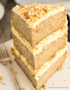 Our Banana Pudding Cake is an incredibly moist three-layer dream cake with a cream cheese pudding filling, lots of bananas, and a luscious frosting. Homemade Banana Pudding, Banana Pudding Cake, Banana Recipes, Easy Cake Recipes, Dessert Recipes, Baking Desserts, Cake Baking, Pudding Recipes, Pudding Frosting