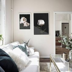 This gorgeous printable pink peony wall art is stylish and versatile; ideal for your boho wall decoration, or equally perfect if youre in need of a Scandinavian print. The subtle colour makes it great to mix and match with other prints so you can curate that stunning gallery wall - see